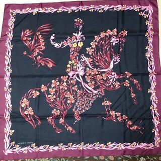 エルメス(Hermes)のレア色HERMES エルメス スカーフ カレ90「花咲く馬」(スカーフ)