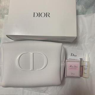 Dior - 【新品未使用】Christian Dior ディオール スノー UV オファー