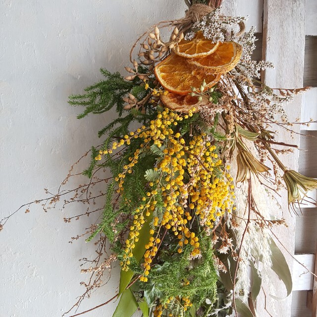 *ミモザ&オレンジ  ドライフラワースワッグ ハンドメイドのフラワー/ガーデン(ドライフラワー)の商品写真