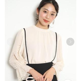 JUSGLITTY - ✧︎新品✧︎♡ジャス♡袖刺繍楊柳ブラウス/サイズ2/ベージュ系