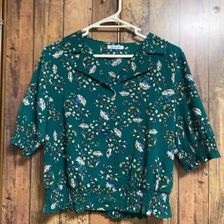 オリーブデオリーブ(OLIVEdesOLIVE)のシャツ 花柄 緑 (シャツ/ブラウス(半袖/袖なし))