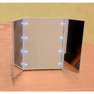 三面鏡 卓上 自立型 ハート型LED付き 折りたたみ ※開封済み未使用品
