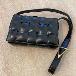 ZARA - カセットバッグ キルティングショルダーバッグ 編み込みショルダーバッグ