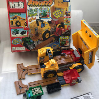 トミー(TOMMY)のトミカ 現場変形メガトンダンプ(電車のおもちゃ/車)