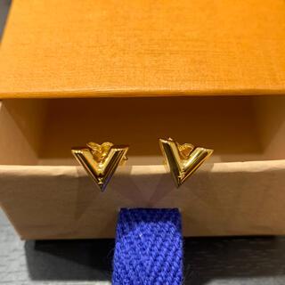 LOUIS VUITTON - 新品 ルイヴィトン M68153 スタッズイヤリング・エセンシャルV 箱/他完品