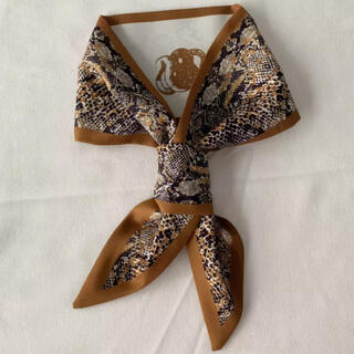 アーバンリサーチ(URBAN RESEARCH)のPython tie scarf brown No.187(バンダナ/スカーフ)