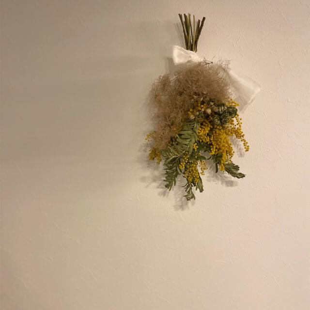 国産♡ミモザたっぷりドライフラワー スワッグ② ハンドメイドのフラワー/ガーデン(ドライフラワー)の商品写真