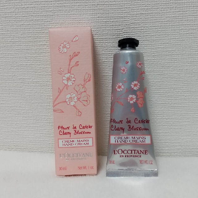 L'OCCITANE(ロクシタン)のロクシタン ハンドクリーム チェリーブロッサム コスメ/美容のボディケア(ハンドクリーム)の商品写真