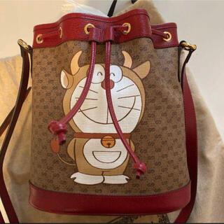 グッチ(Gucci)の【値下げ交渉可】DORAEMON x GUCCI スモール バケットバッグ(リュック/バックパック)