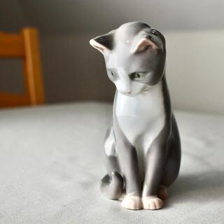 ロイヤルコペンハーゲン(ROYAL COPENHAGEN)の【RC2101-P1】愛らしい姿の猫 ロイヤルコペンハーゲン 陶器(置物)