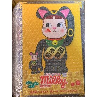MEDICOM TOY - BE@RBRICK 招き猫 ペコちゃん 黒メッキ 100% & 400%