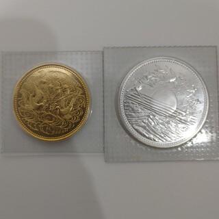 天皇陛下御在位六十年記念 金貨10万円+1万円銀貨セット