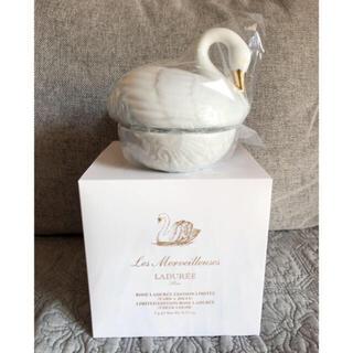 LADUREE - ラデュレ リミテッド エディション ローズ 白鳥チーク  新品