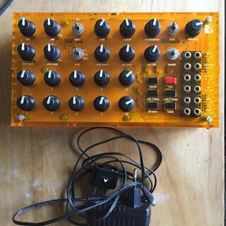 Mutable Instruments Anushri アナログシンセサイザー(音源モジュール)