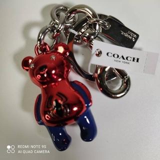 コーチ(COACH)の柴犬マン様専用COACH×MARVEL限定品スパイダーマンベアキーホルダー新品(キーホルダー)
