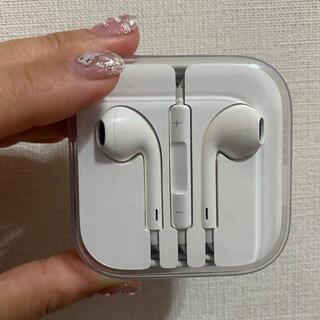 アップル(Apple)のアップルApple純正イヤホン 3.5mmイヤホンジャック(ヘッドフォン/イヤフォン)