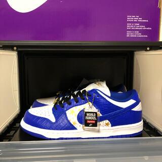 Supreme - Nike SB Dunk Low