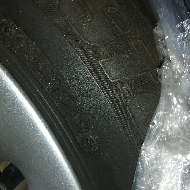 日産(ニッサン)の日産ノート純正アルミホイールとオマケタイヤ 自動車/バイクの自動車(タイヤ・ホイールセット)の商品写真