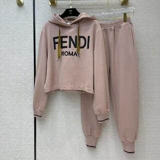 FENDI - 2点 FENDIフェンディ パーカー ショットパンツ