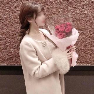 tocco - エコファー袖ビジューブローチつきノーカラー綺麗見えコート