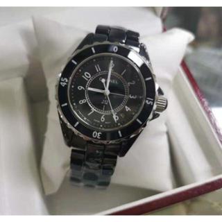 シャネル J12腕時計 黒 白 電池式