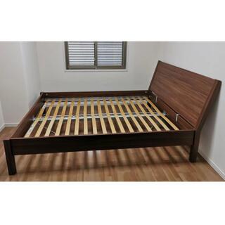 IKEA - クイーンサイズ、ベッドフレーム、ヘッドボードつきフレーム