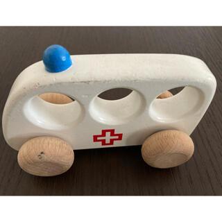 ボーネルンド(BorneLund)のボーネルンド 木のおもちゃ 救急車 BAJO(電車のおもちゃ/車)