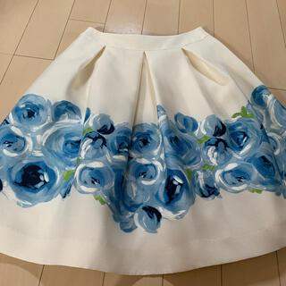 エムズグレイシー(M'S GRACY)のエムズグレイシー ♡ブルーのお花スカート(ひざ丈スカート)