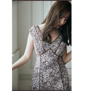 スナイデル(snidel)のHerlipto Lace Trimmed Floral Dress brown(ロングワンピース/マキシワンピース)