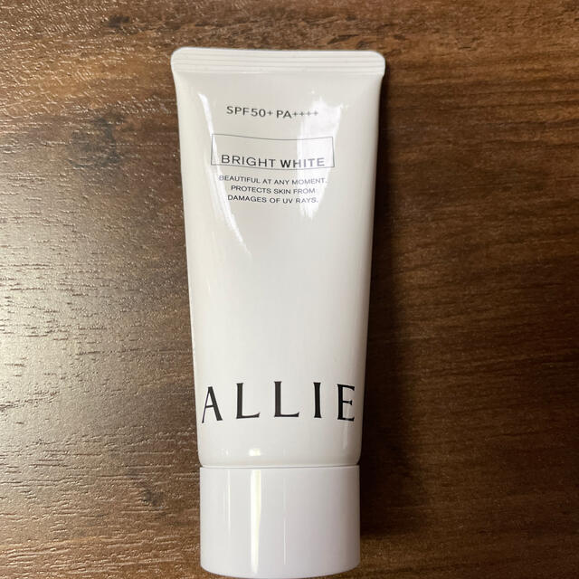 ALLIE(アリィー)のALLIEニュアンスチェンジUVジェル WT60g コスメ/美容のボディケア(日焼け止め/サンオイル)の商品写真
