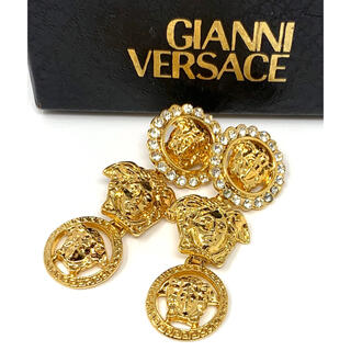 ジャンニヴェルサーチ(Gianni Versace)のGIANNI VERSACE☆イヤリング メデューサ ゴールド クリスタル(イヤリング)