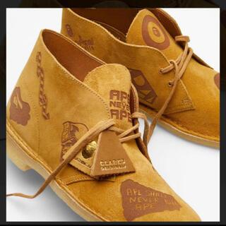 アベイシングエイプ(A BATHING APE)のエイプ APE✖️クラークス デザートブーツ UK7 25.5センチ(ブーツ)
