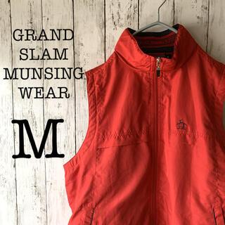 マンシングウェア(Munsingwear)の【ゴルフウェア×ベスト】古着 メンズ トップス 赤 刺繍ロゴ GRANDSLAM(ウエア)