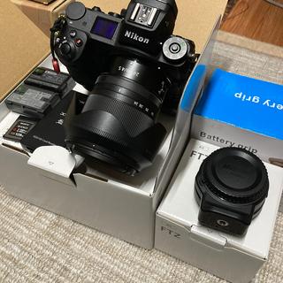 ニコン(Nikon)のNikon Z7 24-70 セット FTZ変換 互換グリップ付(ミラーレス一眼)