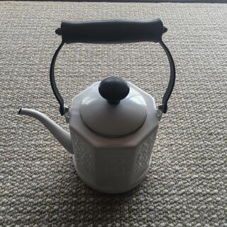 フジホーロー(富士ホーロー)のFUJIHORO ホワイト ホーロー やかん ヤカン FUJIHORO(調理道具/製菓道具)