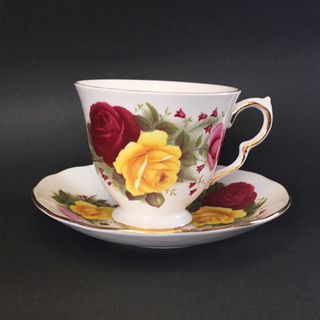 ロイヤルアルバート(ROYAL ALBERT)の英国 クィーンアン カップソーサー アンティーク 薔薇 美品(グラス/カップ)