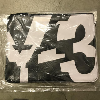 ワイスリー(Y-3)の【期間限定限定値下げ【新品未使用】Y-3 クラッチバッグ非売品 ノベルティ(セカンドバッグ/クラッチバッグ)