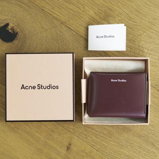 アクネ(ACNE)のアクネ acne 財布 ミニ トリフォールド カードウォレット バーガンディ(財布)