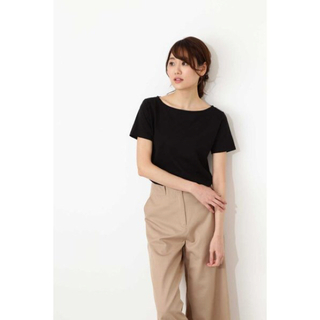 ナチュラルビューティーベーシック(NATURAL BEAUTY BASIC)のナチュラルビューティーベーシック Tシャツ ブラック(Tシャツ(半袖/袖なし))