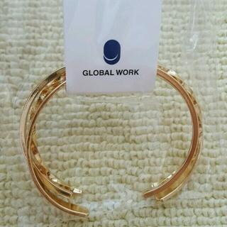 グローバルワーク(GLOBAL WORK)のゴールドバングル タグ付き(ブレスレット/バングル)