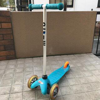 コドモビームス(こどもビームス)のマイクロ ミニ キックボード ブルーグリーン(三輪車/乗り物)