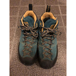 スポルティバ(LA SPORTIVA)の【スポルティバ】ボルダーX MID   EUR37 ブルー×イエロー(登山用品)