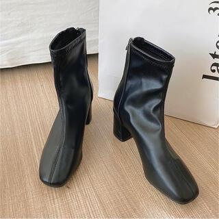 【美品】黒 ショートブーツ ヒール5cm(ブーツ)