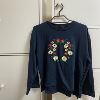 スピンズ(SPINNS)のSPINNS 花柄ロングTシャツ(Tシャツ(長袖/七分))