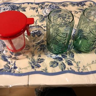 イッタラ(iittala)の茶漉し付きガラスポット & コカコーラグラス 2個 新品未使用品(グラス/カップ)