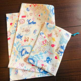 ランチョンマット30×40と巾着袋(外出用品)