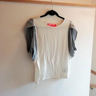 オキラク(OKIRAKU)の美品 Mikke OKIRAKU ブラウス Tシャツ 白(シャツ/ブラウス(長袖/七分))