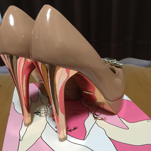 Rady(レディー)のRadyビジューオープントゥエナメルパンプス レディースの靴/シューズ(ハイヒール/パンプス)の商品写真
