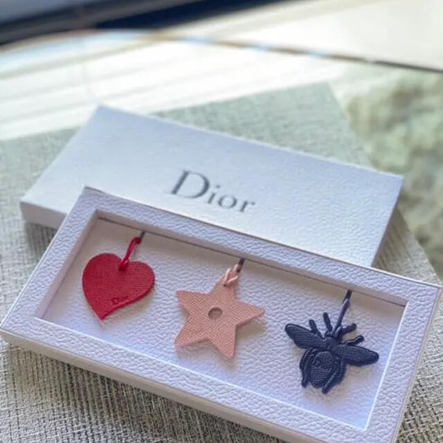 Christian Dior(クリスチャンディオール)の【非売品】Dior レザーチャーム ディオール レディースのアクセサリー(チャーム)の商品写真