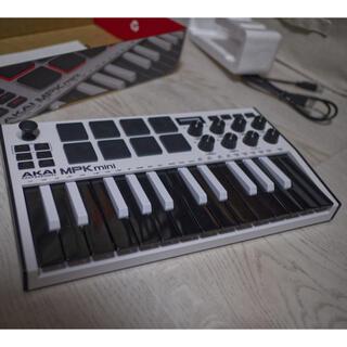 Akai MPK mini (MIDIコントローラー)